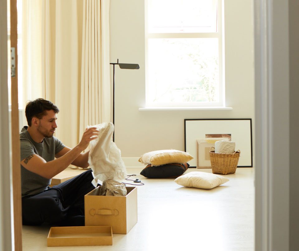 Moving Home: 3 Top Tips to Make Unpacking Manageable
