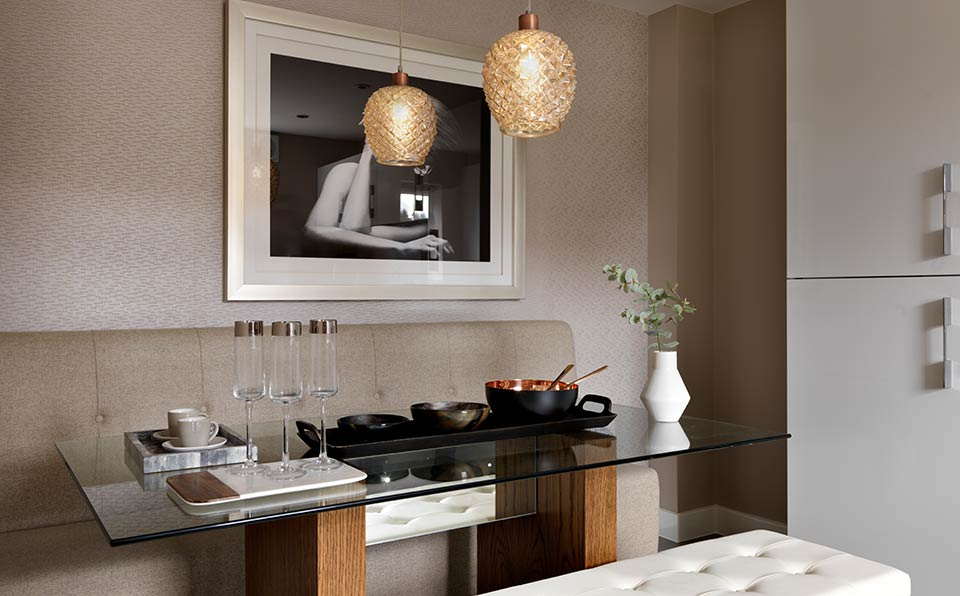 Pareti dining area Intrigue